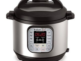 Instant Pot Duo 6qt 7 in 1 Pressure Cooker   powers on