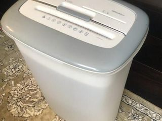 OfficeMax Paper Shredder w  Cards and CD