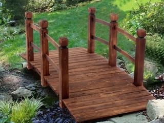 59  Courtyard Small Wooden Arch Bridge