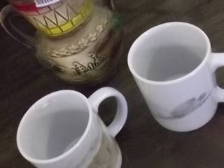 coffee mugs   vase