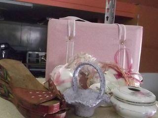 purse  china basket   powder box