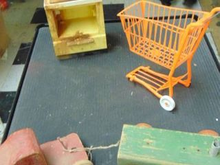 Vintage battery powered range   small pull behind toys
