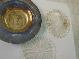 lg Metal tray   2 Sunflower platters