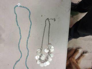lot of 2 Women s Necklaces