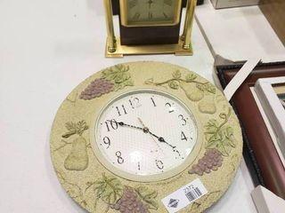 lot of 2 Decorative Clocks