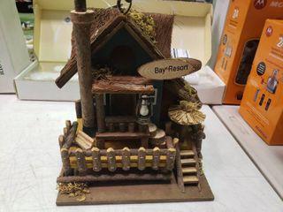 Bay Resort Birdhouse
