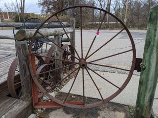 Wagon Wheel Gate  Buyer Responsible For Removal