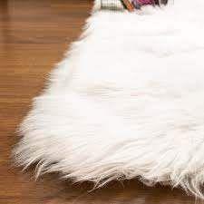 Silver Orchid Parrott Faux Fur Sheepskin Area Rug  Retail 97 99