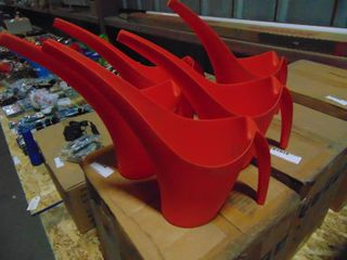 5  STACK ABlE PlASTIC WATERING CANS
