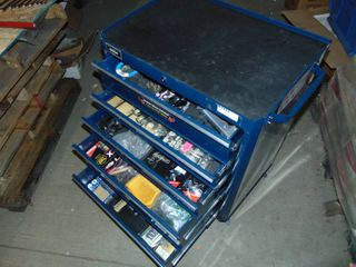 MASTERCRAFT lOCKING ROllING METAl TOOl BOX FIllED WITH ASSORTED TOOlS  SEE PICTURES