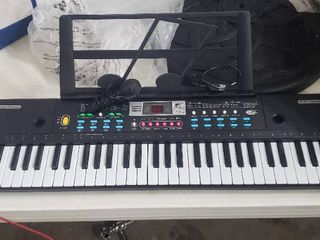 Music Workstation Electric Keyboard With Microphone  61 Key