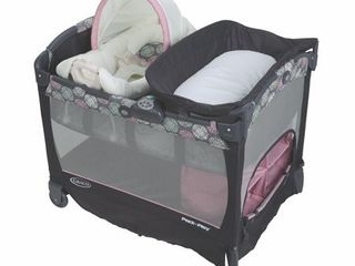 Graco Pack  n Play Playard with Cuddle Cove Removable Seat  Addison APPEARS USED  NOT FUllY INSPECTED OUTSIDE BOX