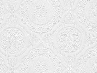 Carter White 33 foot x 21 inch Textured Paintable Floral Scroll Wallpaper   33  x 21