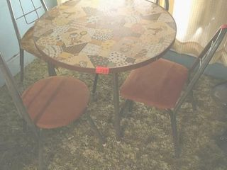 Round childIJs table and chairs