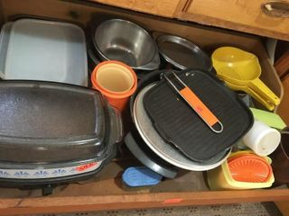 Slow cooker serving pieces and storage