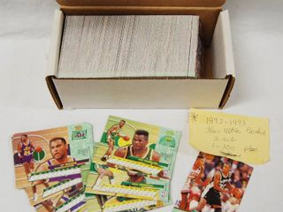 lot of Collectible Fleer Ultra Basketball Cards w  Box