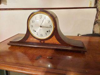 Sessions Mantle Clock   Key is Broke