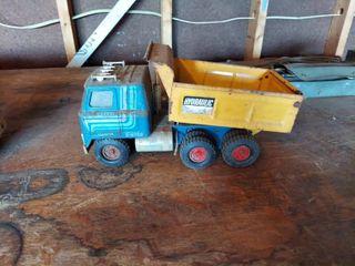 Ertl Metal Dump Truck