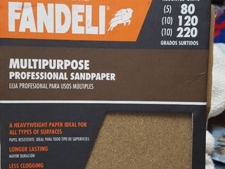 25 sheets of sandpaper
