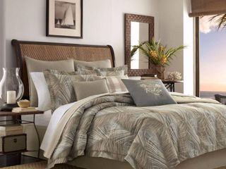 Tommy Bahama Home Raffia Palms Reversible 4 Pc  King Comforter Set