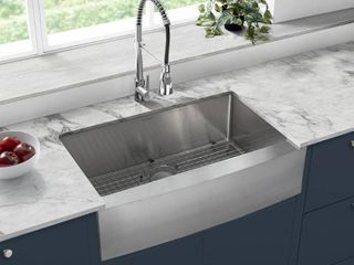 Swiss Madison SM KS758 Stainless Steel Rivage 33  Farmhouse Single Basin Stainless Steel