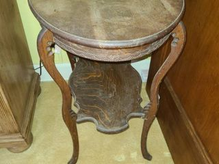 Antique Table  28 x 28 x 18  VERY WOBBlY