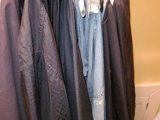 Mens Jeans and Running Gear  Sizes 34 or 36  30   sizes Medium and large