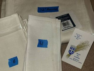 RAlPH lAUREN Imported Belgian linen  Table Cloth and Napkins