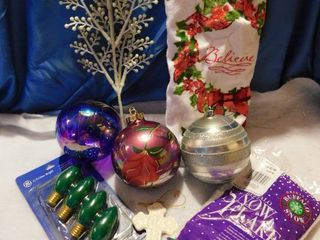 Misc  Christmas   lot  2