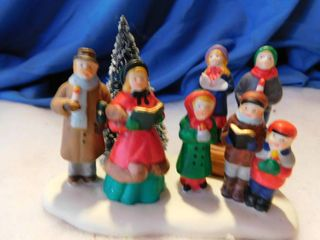 lemax Christmas Town Carolers