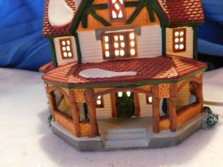 lemax Holiday Town lighted House