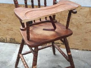 Old Wood Highchair   Tray is Broke   Missing Step