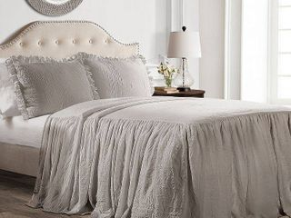 King 3pc Ruffle Skirt Bedspread Set Gray   lush DAccor
