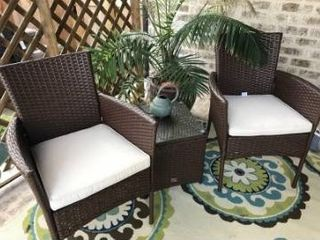 Set of 2 wicker outdoor chairs