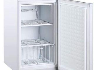 Midea WHS 109F Compact Single Reversible Door Upright Freezer  3 0 Cubic Feet  White