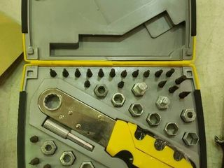 Ratchetting Sockets Set and Screwdriver