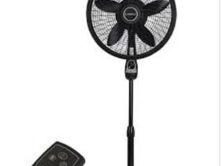 18in 3 Speed Black Stand Fan w  Remote