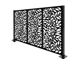 HighlanderHome Freestanding Modular Metal Privacy Screen