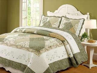 The Gray Barn Crosskeys Patchwork 3 piece Quilt Set   King Retail 89 49