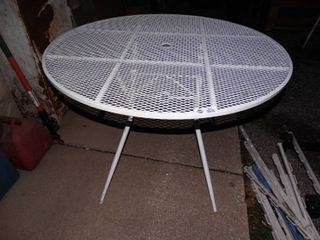 Awesome lg round folding metal patio table