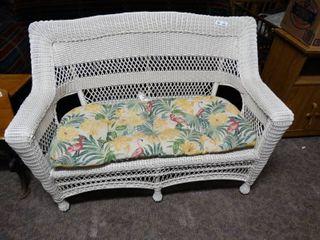 White wicker sofa w  cushion
