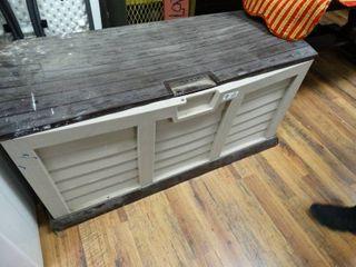 Deck box w  lid