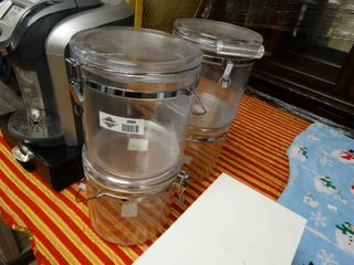 4 clear plastic food containers