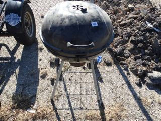 Round charcoal grill