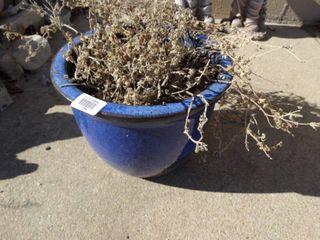 Very nice planter w  flowers