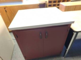 large Kitchen Cabinet  Approx  30  l x 25  W x 35  H