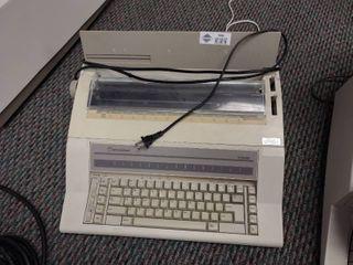 International II 1000 Electric Typewriter