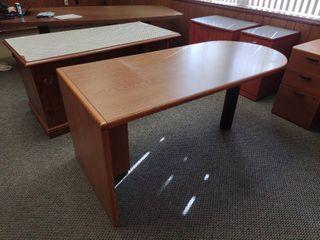 Bullet Desk  Approx  66  l x 30  W x 30  H
