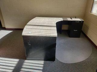 l Shaped Desk  Approx  77  l x 78  W x 30  H