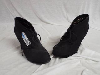 Torrid heel s  size 9